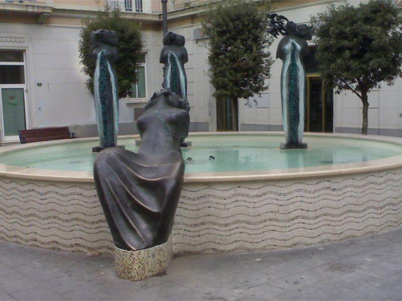 La Fontana della Fertilità in Piazza Amendola