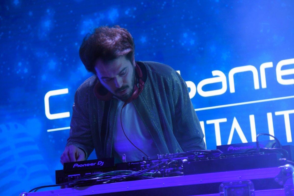 Il dj set di Davide Ferrario per Casa Sanremo Vitality's