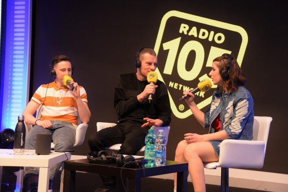 Shade a Radio 105