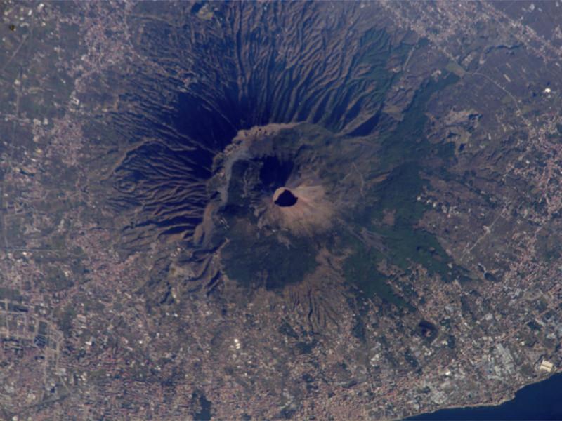 Il Parco Nazionale del Vesuvio visto dal satellite