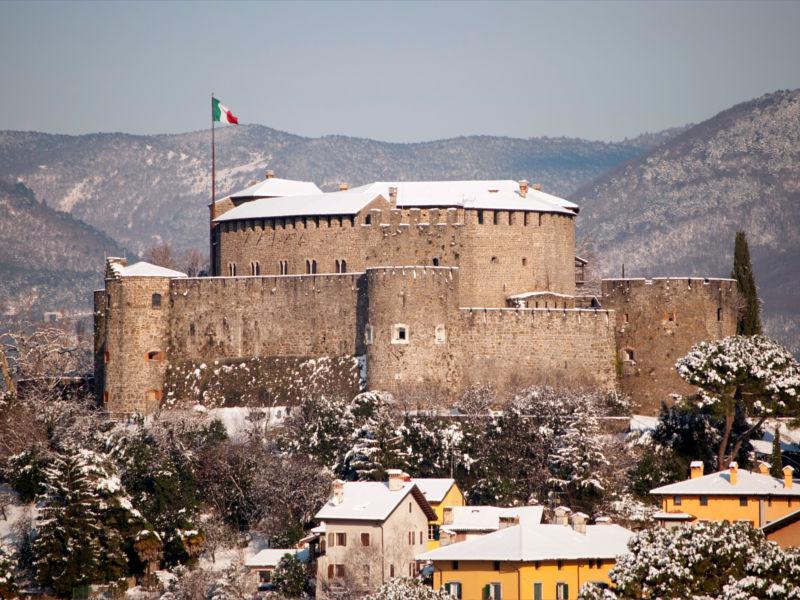 Castello di Gorizia con la neve
